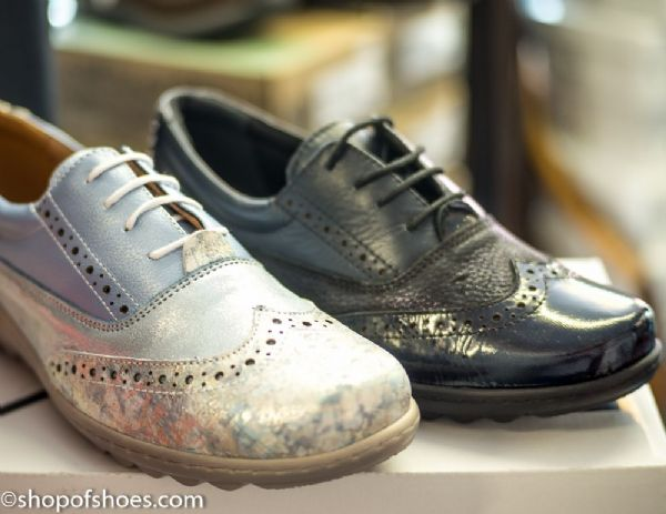 A fantastic looking Womens laced leather brouge shoe